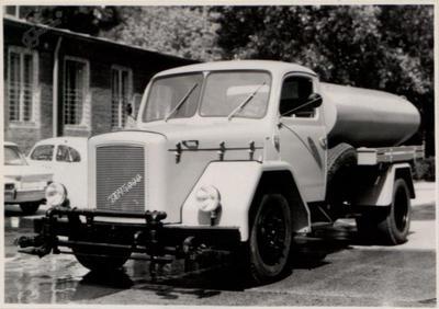 Vozilo za čiščenje cest TAM 5000