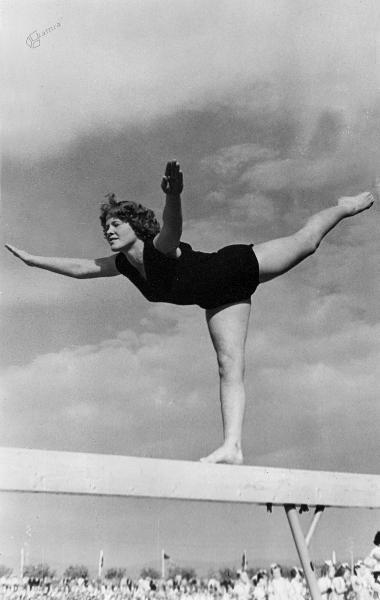 Ada Smolnikar, poročena Bešter (orodna telovadka, olimpijka)