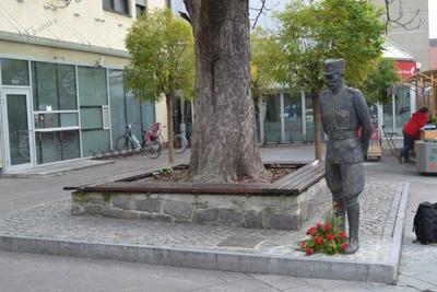 Spomenik generalu Maistru na Ptuju