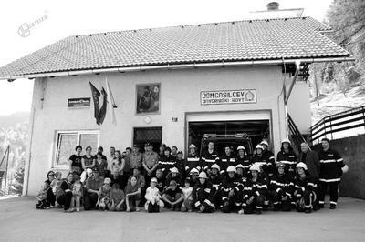 Gasilski dom in gasilci v Javorniškem Rovtu