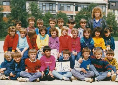 I. osnovna šola Celje, skupinska fotografija 1. c 1988/1989
