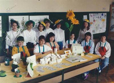 I. osnovna šola Celje, naravoslovni dan 5. r, skupinska, 1993
