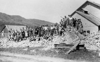 14. Delavci na ruševinah prvega dimnika