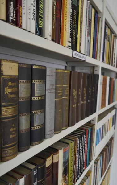 Zasebna knjižnica Iva Arharja