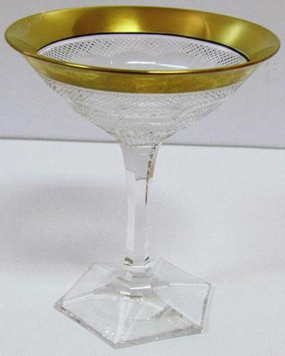 Kristalni kozarec s pozlačenim robom