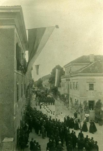 Procesija Svetega Rešnjega telesa, glavna ulica, Sežana