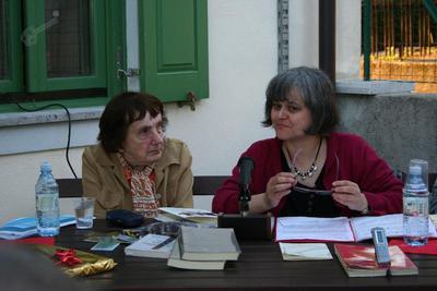 Jolka Milič in Maja Razboršek, Tomaj, 2012