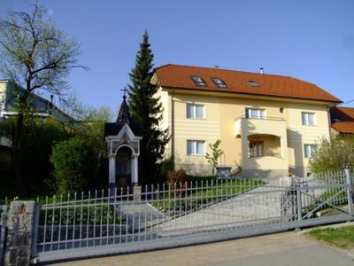 Cestarjeva hiša