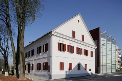 Obnovljena Koščakova hiša in nova Mestna knjižnica Grosuplje