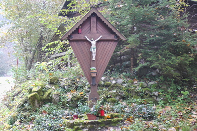 Križ za farovžem