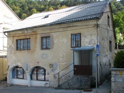 Materinski dom iz leta 1851, prva mestna bolnica