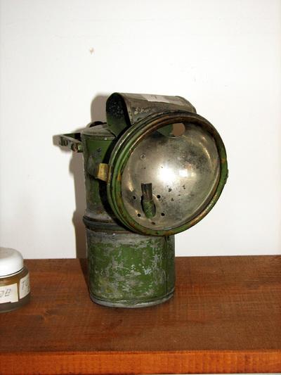 Operacijska svetilka na karbid