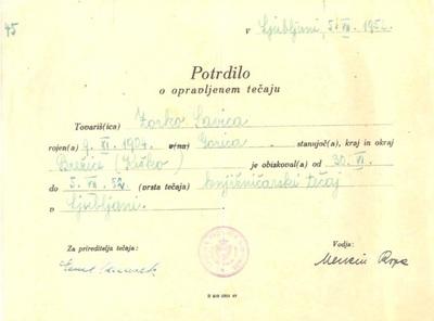 Potrdilo o opravljenem knjižničarskem tečaju v letu 1952