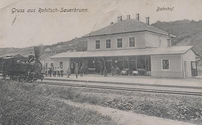 Razglednica: Gruss aus Rohitsch-Sauerbrunn. Bahnhof. Poslana leta 1908.
