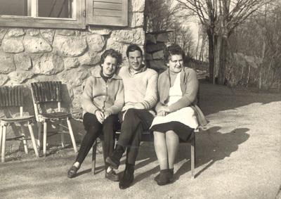 Tončkov dom (vzhodna stran)