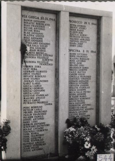 Spomenik na pokopališču pri sv. Ani v Trstu