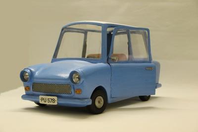 Fahrzeug des Sandmannes: Trabant (blau)