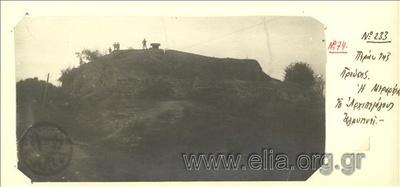Μικρασιατική εκστρατεία, στρατιώτες της Μεραρχίας Αρχιπελάγους φυλάνε σκοποί σε τοποθεσία πέρα από την Προύσσα.