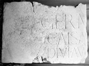 Achaïe II 022: Τιμητική για τον Γερμανικό, γιο του Τιβερίου και πάτρωνα της πόλεως
