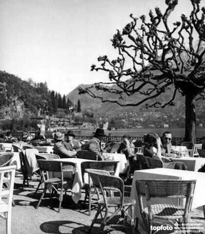 Cafe scene in Villa d'Este