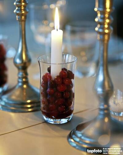 Christmas table decoration of cranberries