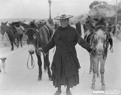 Menton , The donkey woman