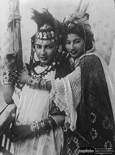 Ouled nail dancing girls of