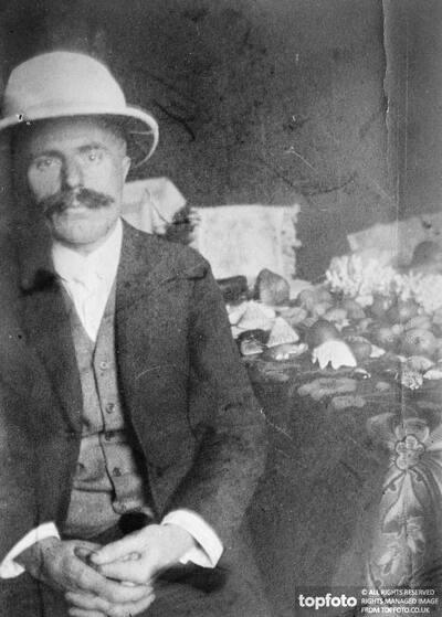 Paul Funda , Czech tailor
