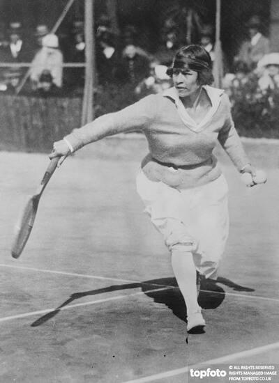 Tennis Queens TO Dispute World