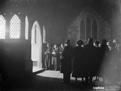 Sidcup Hospital carol singers ._x000D_ 1934