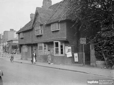 Elizabethan cottage in Orpington ,