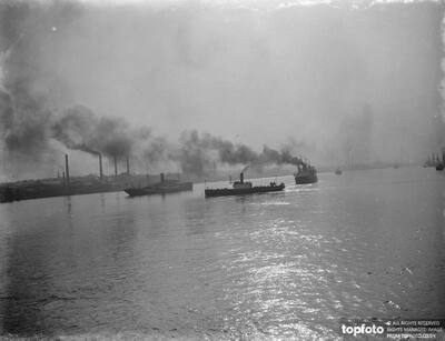 Merchant ships on the river