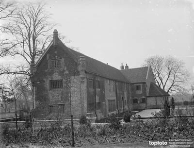 The Tudor Barn in Well