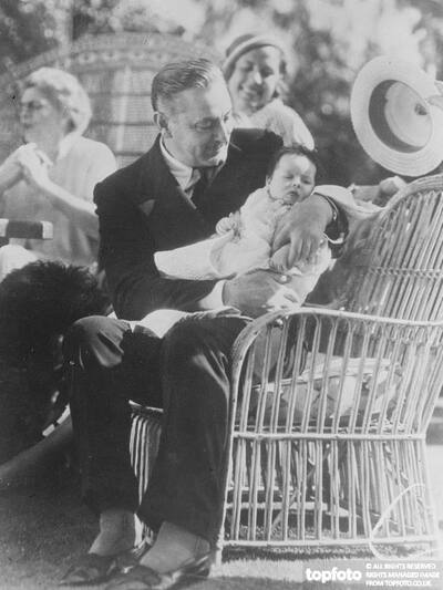 John Barrymore a proud father
