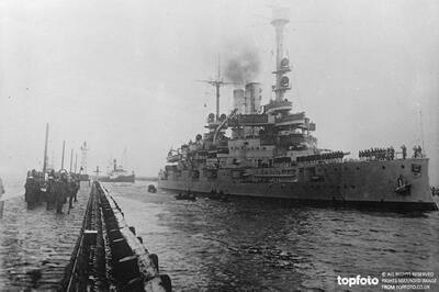 German battleship visits Danzig ._x000D_ A
