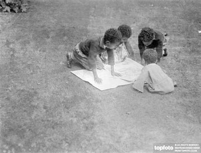 Children of Abyssinian Minister read