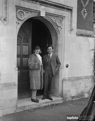 Peggy Hopkins Joyce expects London